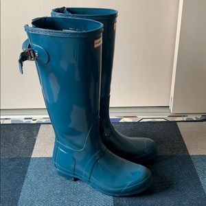 Hunter tall boots with expandable calf 38